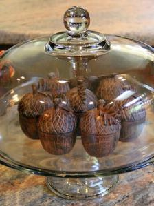 Acorns fall decor- photo by Liz-Regalado