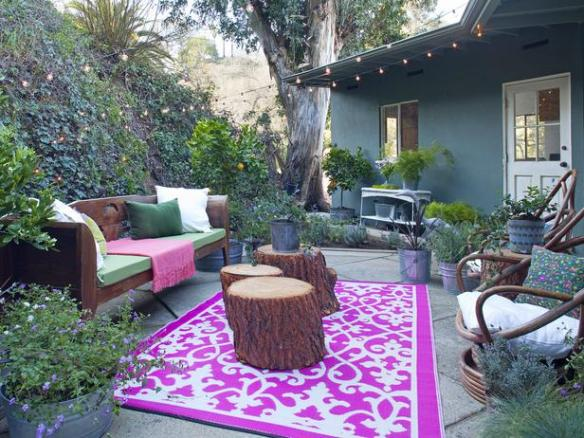 Bohemian Outdoor room by HGTV.ca